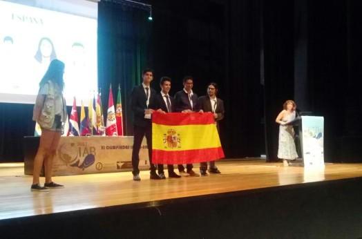 delegacion_espanola_azores_escenario